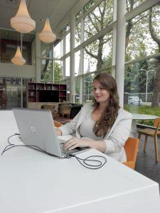 Tekstschrijver en vormgever - Ymke Frijters